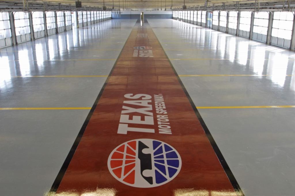 texas-motor-speedway-garage-finished-spartacote-floor