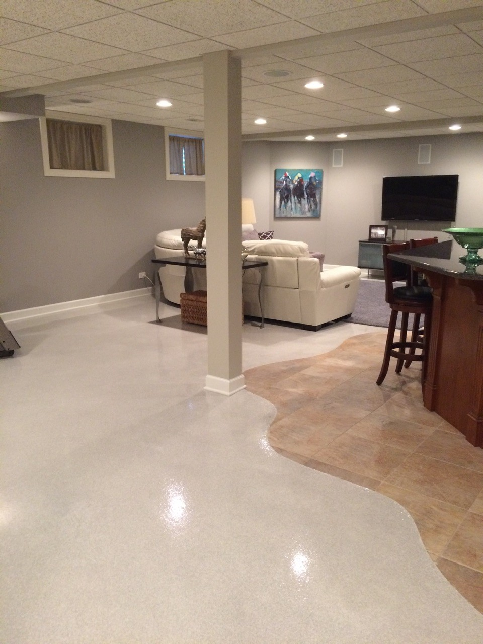 Putting Down Flake Floors in More Than Just Residential Garages